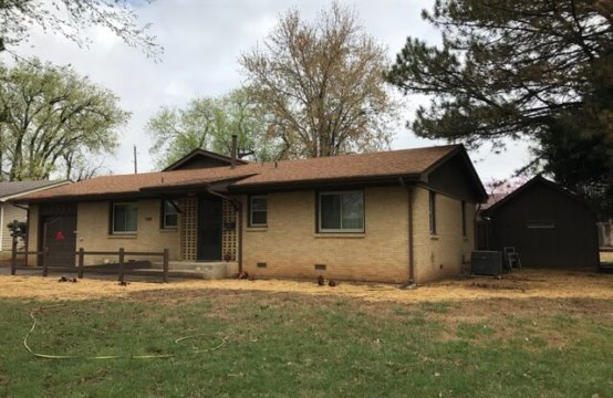 Johnny and Cleta Duncan Estate AUCTION &#8211&#x3B; Home and Personal Property  402 W Augusta, Ave