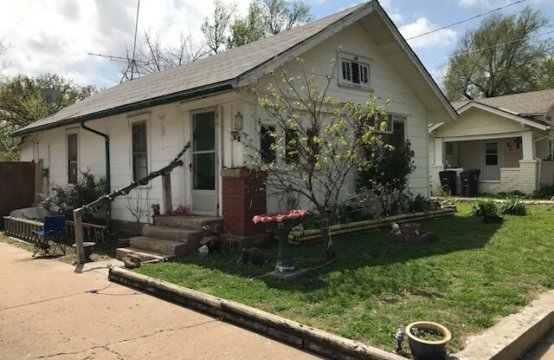 511 Cave Springs Eldorado, Ks Storage and Real Estate Auction ALL 1 Price