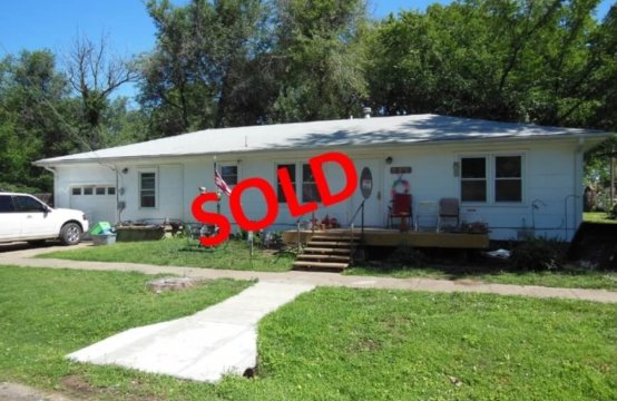ABSOLUTE AUCTION  Nice 3Bedroom 2Bath Towanda, Ks. Home
